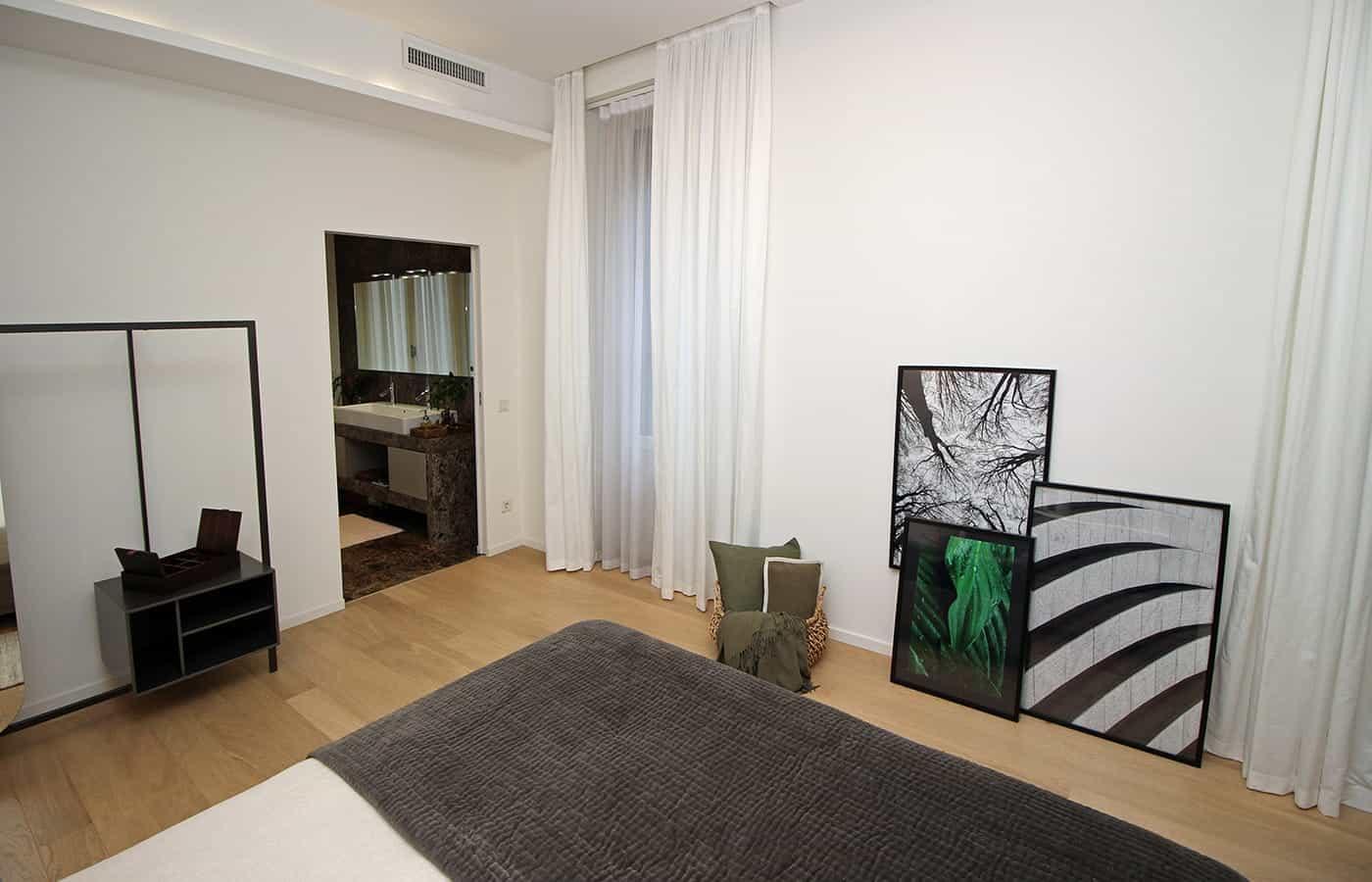Entrata bagno della camera da letto - Progetto Via Santo Spirito Milano - Il Mobile