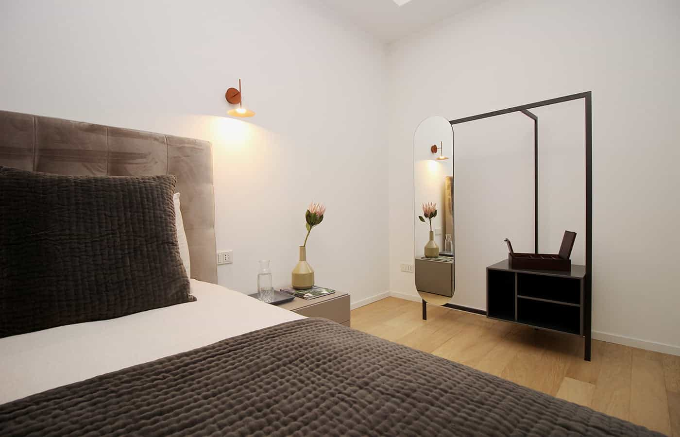 Specchio camera da letto - Progetto Via Santo Spirito Milano - Il Mobile